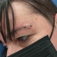 Nordik Piercing: Studio de piercing dans le 76: piercing surface arcade