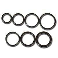 Nordik Piercing: Studio de piercing dans le 76: anneaux à charnière en acier noir