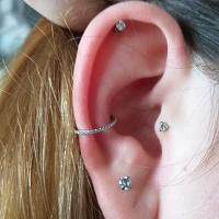 Nordik Piercing: studio de piercing dans le 76: piercing tragus, helix, conch, lobe