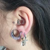 Nordik Piercing: Studio de piercing dans le 76: piercing tragus, lobes, daith, conch