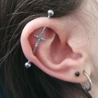 Nordik Piercing: Studio de piercing dans le 76: piercing industriel et lobe