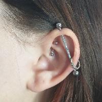 Nordik Piercing: Studio de piercing dans le 76: piercing industriel, helix et rook