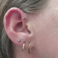Nordik Piercing: Studio de piercing dans le 76: piercing anti-helix et piercings lobe